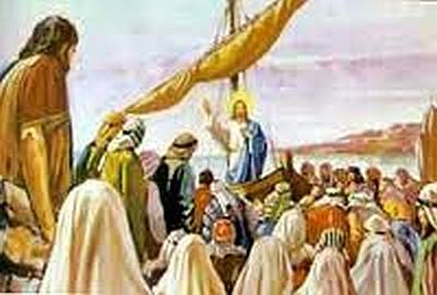 jesus-teaching-beside-sea